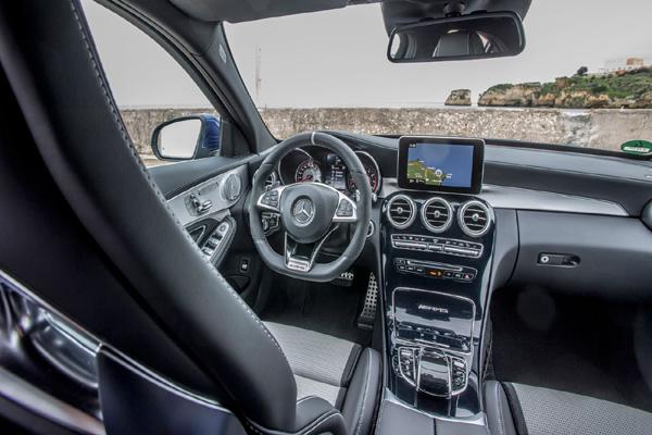 Kompaktni gospodar autoputa:  AMG C63