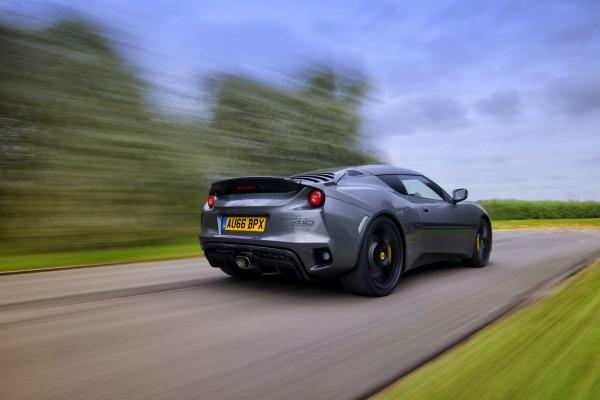 Lotus ne odustaje od proizvodnje terenaca