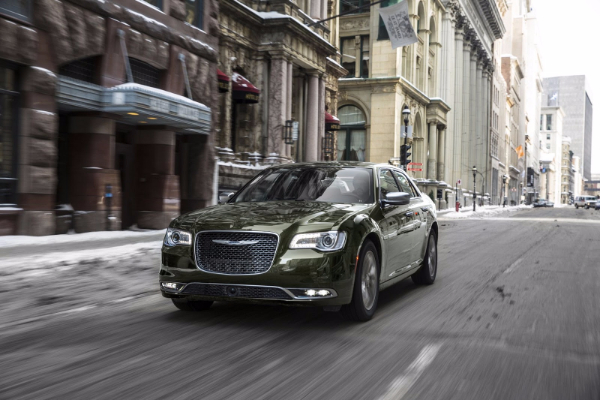 Chrysler 300 dobija novi izgled