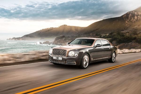 Bentayga V8 predvodi Bentley kolonu put Pekinga