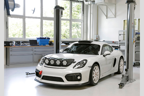 Porsche predstavlja moćni Cayman GT4 Clubsport Rallye koncept