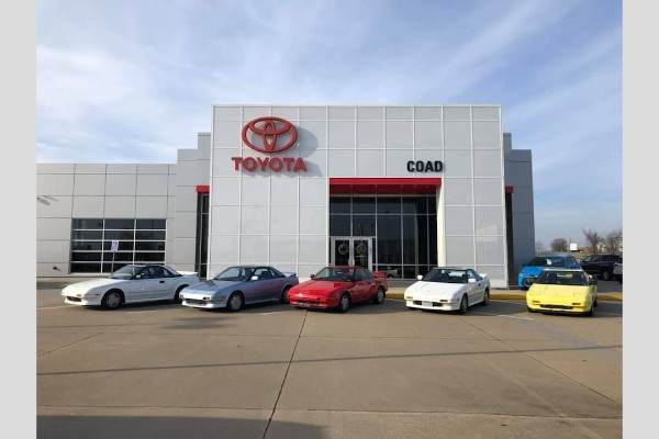 Kolekcionar zamenio 5 Toyota MR2 za jednu Mazdu MX5