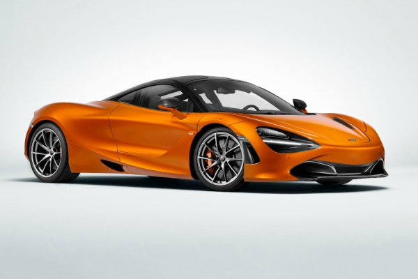 McLaren 720S do 325 na autobanu bez trunke znoja