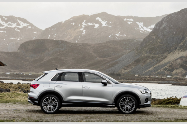 Novi mali luksuzni terenac Audi Q3 pojačava svoju sportsku stranu