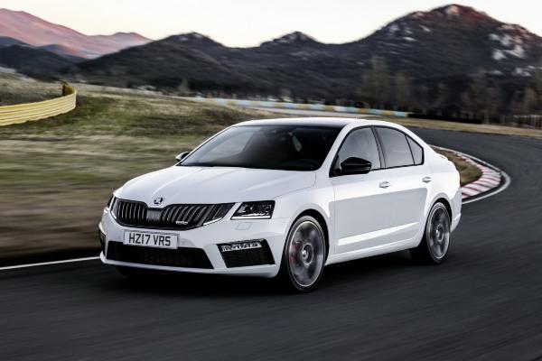 2020 Škoda Octavia dobija klasični izgled i električni pogonski sklop