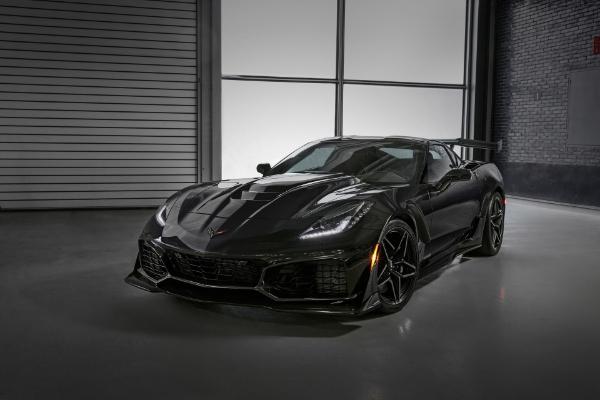 Corvette ZR1 dostiže brutalnih 341 km/h na trkačkoj stazi