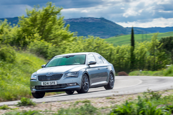 Škoda Superb dobija pogon Passat GTE modela