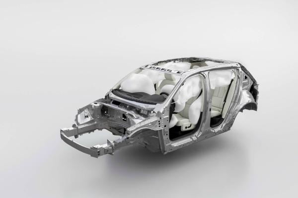 Uspeh XC40 linije dovodi do zamene V40 modela novim