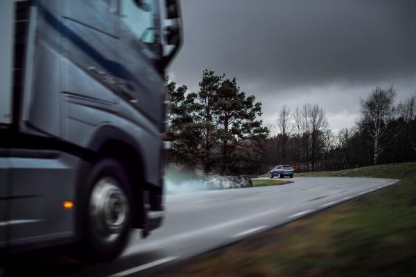Volvo automobili i kamioni uskoro će komunicirati u realnom vremenu