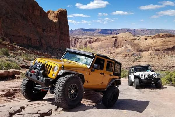 Mopar Jeep Wrangler Rubicon - terenac bez premca