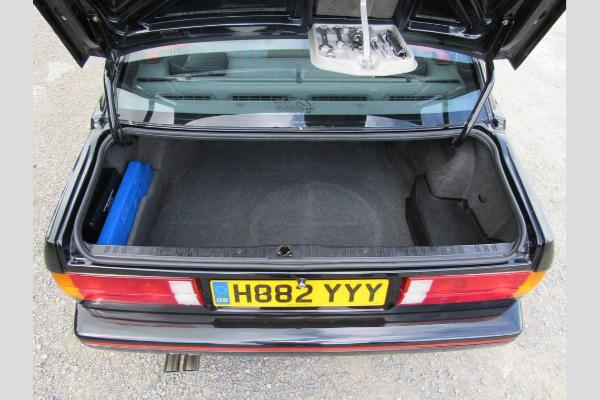 Neverovatni BMW E30 M3 Sport Evolution sa gotovo 250.000 pređenih km