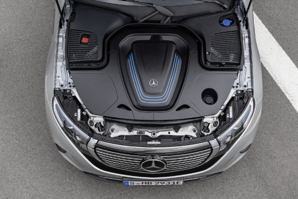 Mercedes ulazi u električnu eru sa novim EQC krosoverom