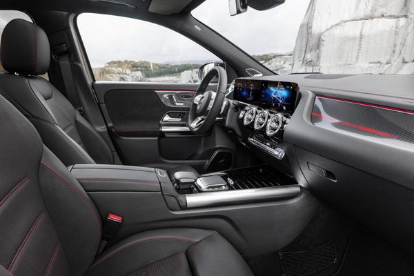 Novi Mercedes-Benz GLA: više karaktera, više prostora, više bezbednosti