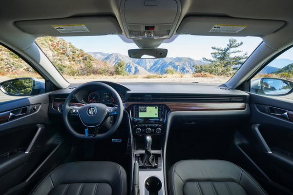 Passat 2020 dobio fejslift za američko tržište