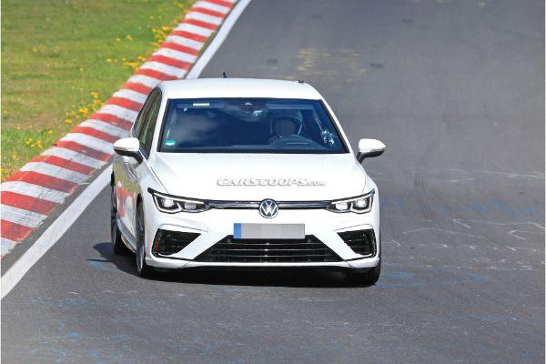 Uhvaćen 2021 VW Golf R