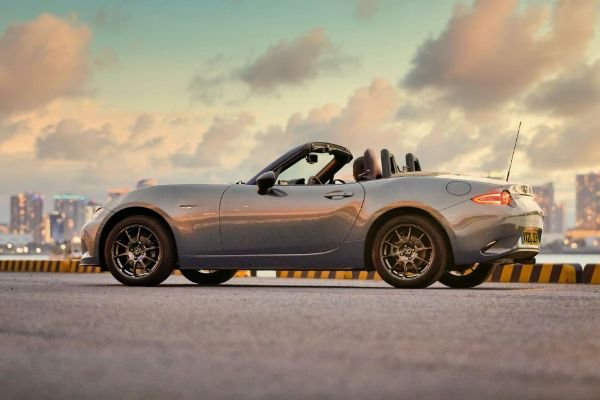 Mazda predstavila novi MX-5 R-Sport kabriolet
