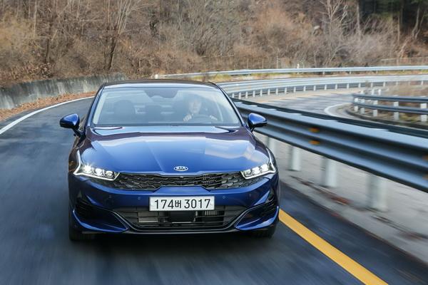 Fotografije novog Kia Optima K5 modela