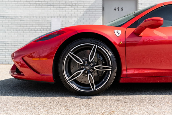 Polovni Ferrari košta više od novog