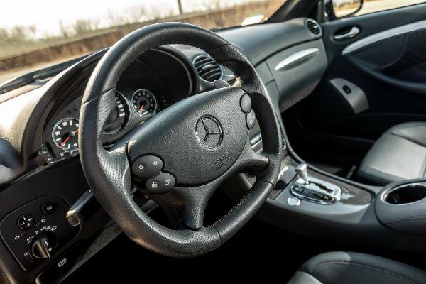 Vuk u jagnjećoj koži-Mercedes-Benz CLK 63 AMG Black Series