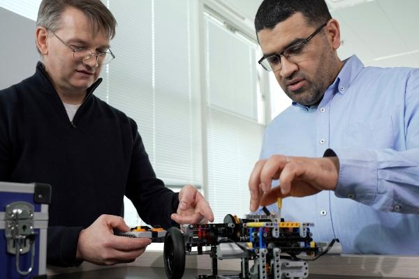 Kreiranje transmisija novih modela uz pomoć LEGO kockica