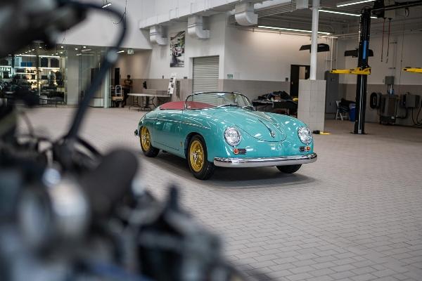 Savršena restauracija klasičnog Porsche 356 Speedster modela