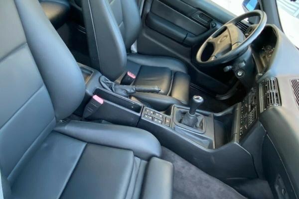Zadivljujući klasični E34 BMW M5 niske kilometraže i gotovo fabričkog stanja
