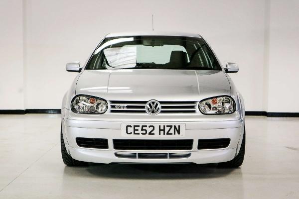 Na prodaju VW Golf iz 2002. koji je prešao samo 12 kilometara