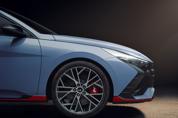 Hyundai predstavlja novu i moćnu 2022 Elantra N liniju