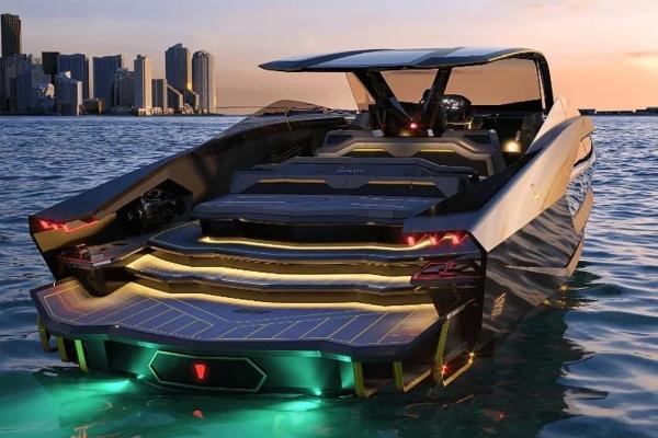 Konor Mekgregor predstavlja svoju novu Lamborghini jahtu
