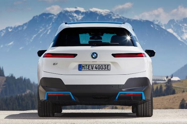 Premijera modela BMW iX
