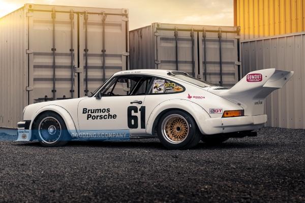 Legendarni i ekstremno retki trkaćki 934/5 model kompanije Porsche