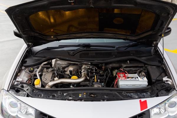Kako je izgledala Megane linija koja je poželela da bude 911 GT3