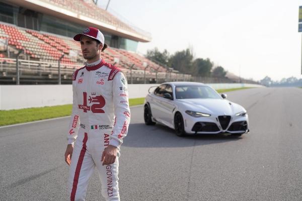 Raikonen i Đovanazi predstavljaju najmoćniji Alfa Romeo u istoriji