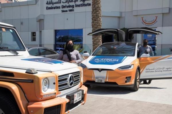 Samo u Dubaiju-Polaganje na luksuznim i sportskim modelima automobila