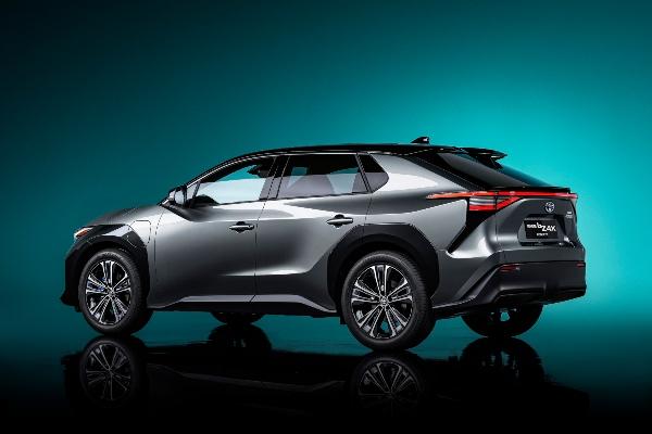 Toyota dodatno ubrzava elektrifikaciju