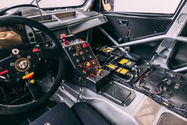 Slavna trkačka Alfa Romeo 155 V6 mašina odlazi na aukciju