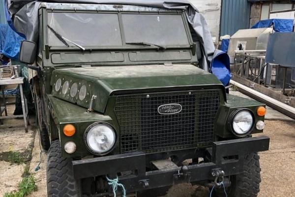 Neverovatna kolekcija automobila skrivena u starom skladištu