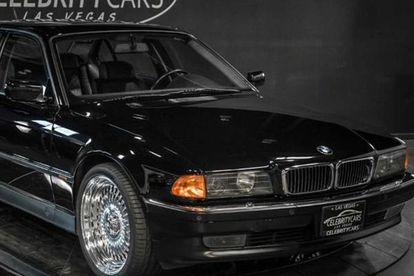 Prodat BMW 7 u kome je ubijen Tupak Šakur