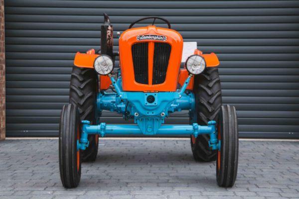 Klasični Lamborghini traktor savršeno ide uz Miura superautomobil