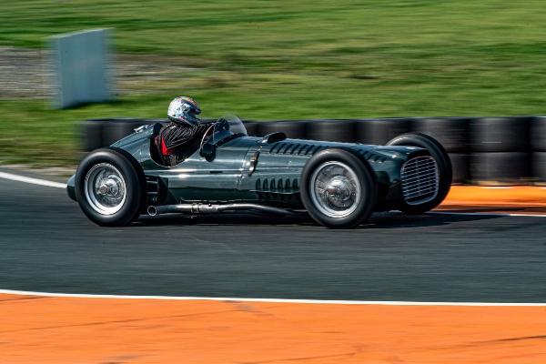 Slavni britanski brend oživljava svoje klasične F1 trkačke automobile