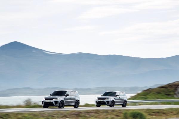 Snimanje scena potere sa Range Rover Sport SVR modelima